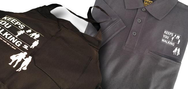 Voor een professionele, frisse en uniforme uitrstraling van uw schoenmakerij Klik hier voor een overzicht van onze shirts en schorten..